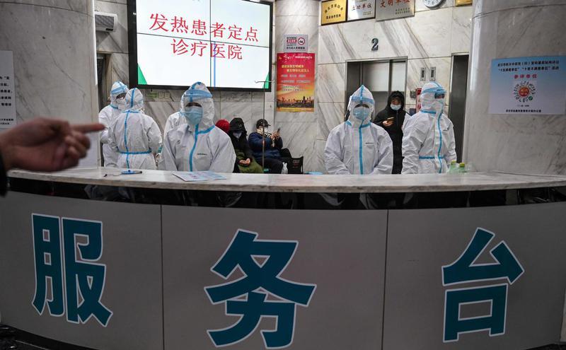 武汉协和医院分诊台。
