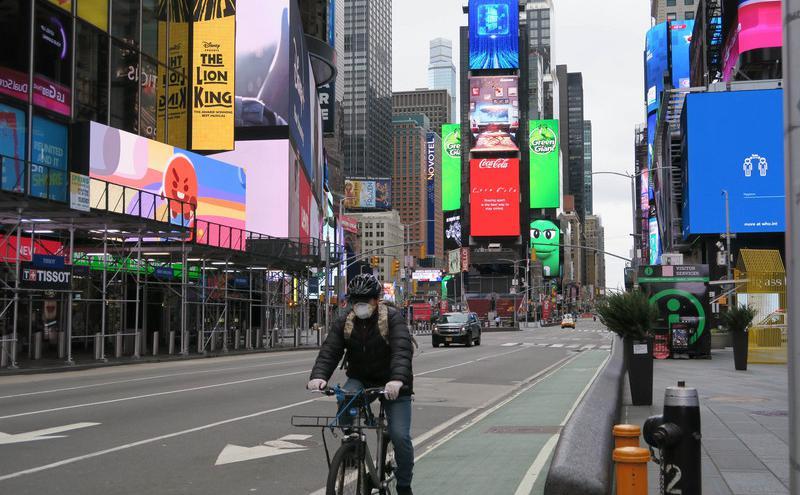 纽约COVID-19疫情严峻 时报广场冷清 ( 图片来源:中央社)
