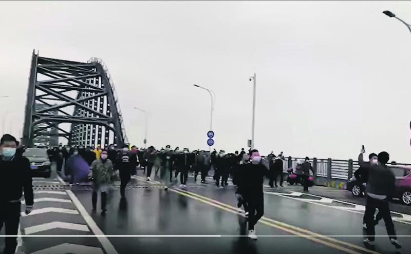 鄂赣两省警察爆发冲突