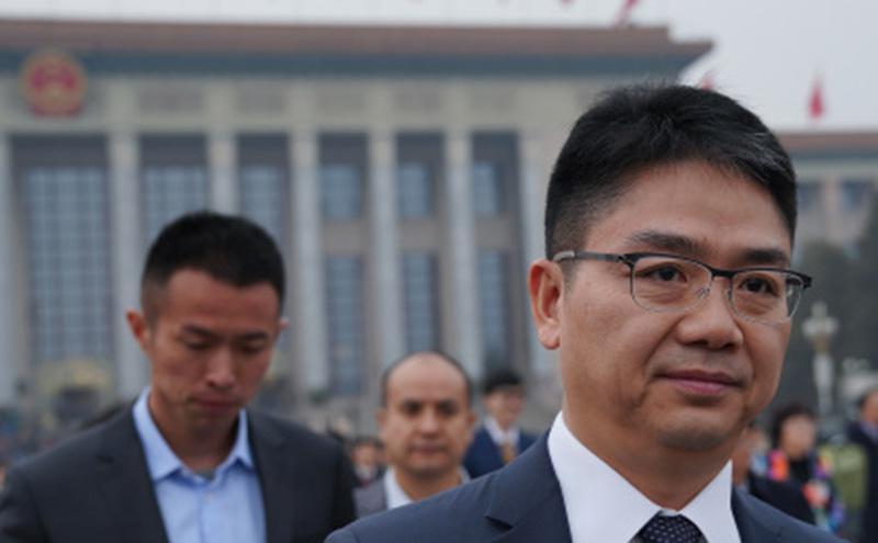 京东集团创办人刘强东参加全国两会。