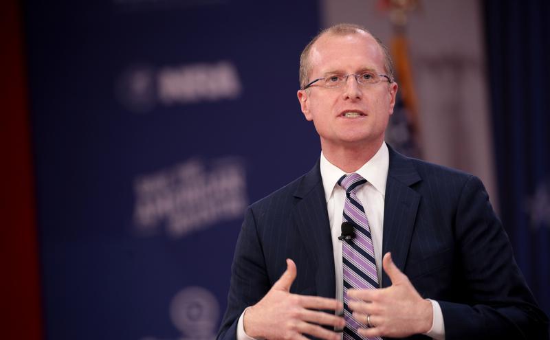 FCC专员卡尔(Brendan Carr)。