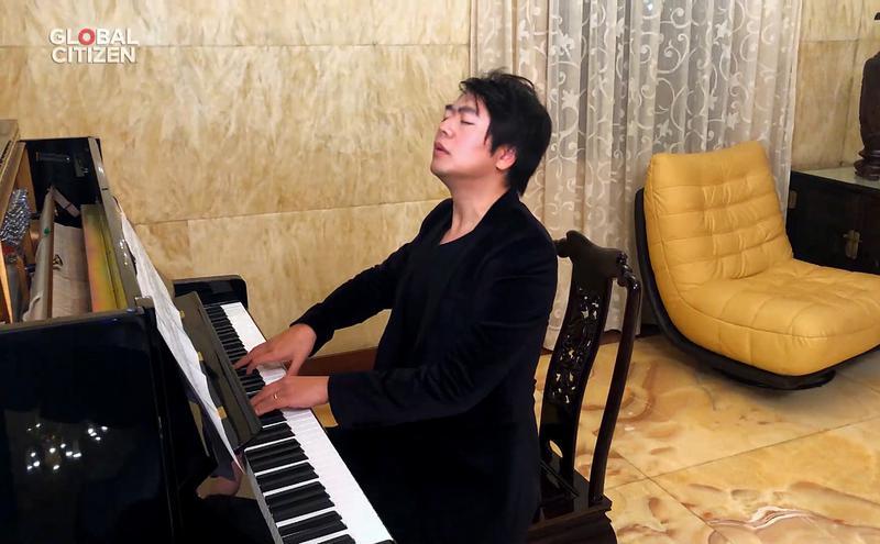 钢琴家郎朗
