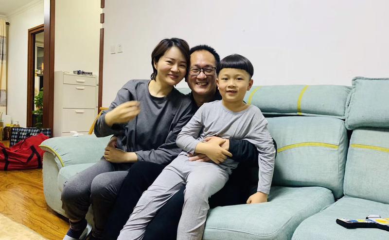 王全璋律师全家福照片。