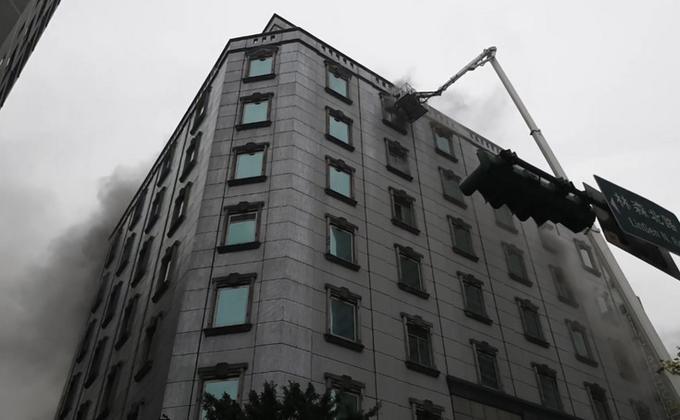 台北市钱柜林森店发生火警酿6死(图片来源:中央社)