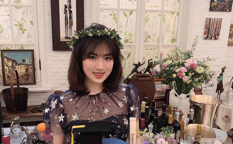 华为小公主姚思为在社群网站上贴出自己欢庆毕业的照片。(图片来源:Annabel Yao IG)