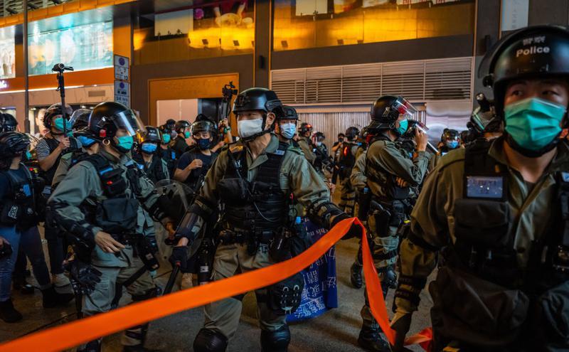 2020年6月12日,香港警察在旺角驱逐示威游行者(图片来源:Getty Images)