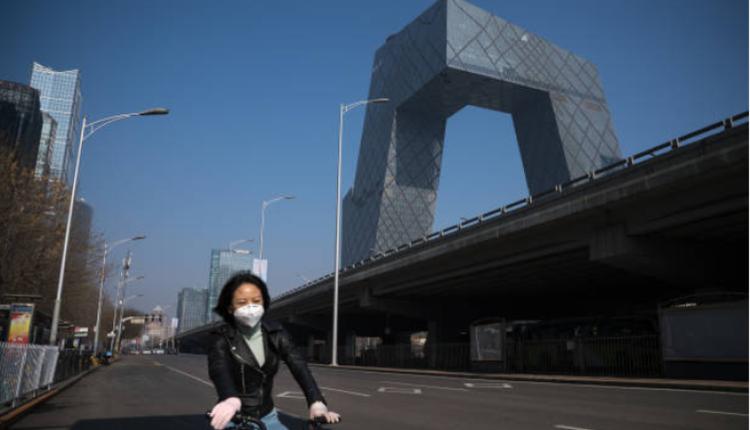 今年2月因COVID-19疫情的原因北京城内人迹罕至