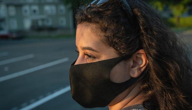 维州疫情 病毒 口罩女