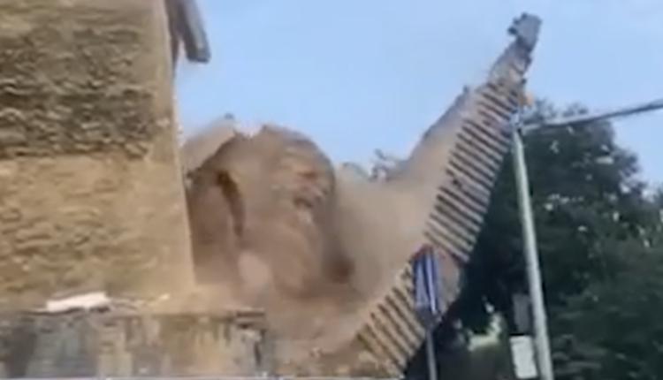 西安明秦王府一处城墙发生坍塌