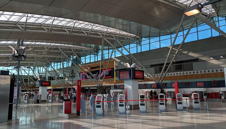 澳洲副总理麦科马克9月16日宣布将归国者入境人数限制从每周4000人增加至6000人,以帮助滞留海外澳洲人尽快回家