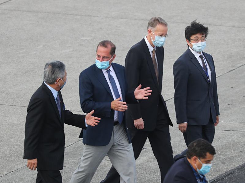 美卫生部长阿扎尔率团抵台(图片来源:中央社)
