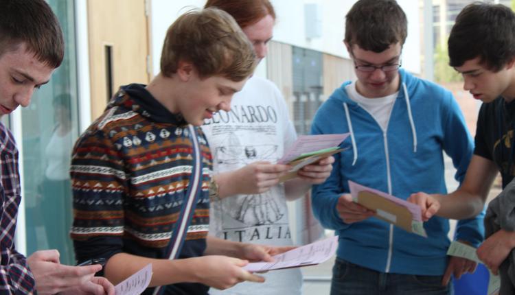 英国,中学生,A-level,成绩