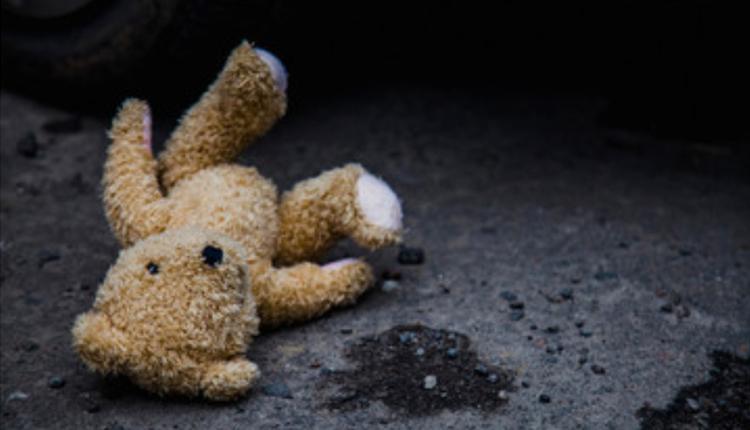 12岁男童满身伤痕家中身亡