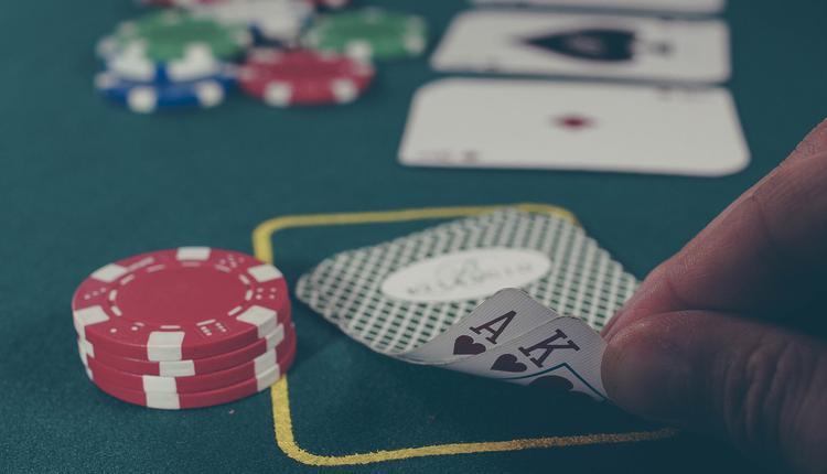 从12月1日开始,澳洲银行(Bank Australia)禁止客户使用信用卡进行任何游戏或赌博交易
