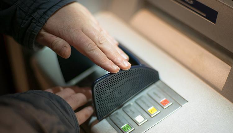 昆州五万名公务员薪资将上涨1.75%