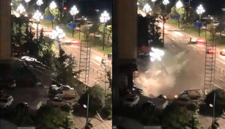 宜宾一处广场地面塌陷