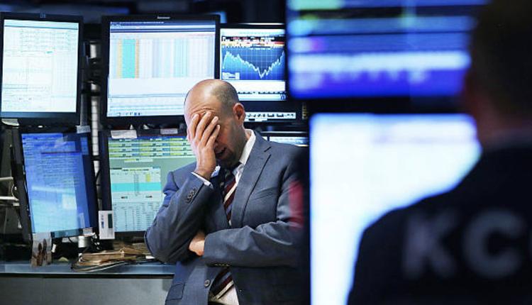 亚洲股市下挫示意图(图片来源: Spencer Platt/Getty Images)