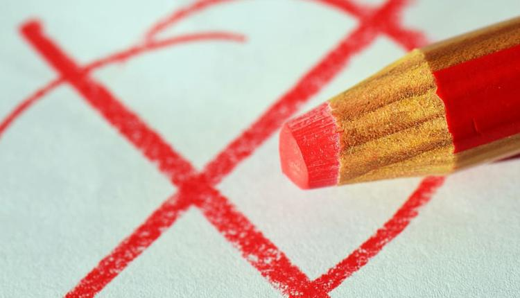 选举 红笔标记