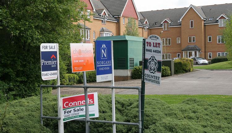 英国待售房产, 房产市场繁荣, 房产经纪公司繁忙