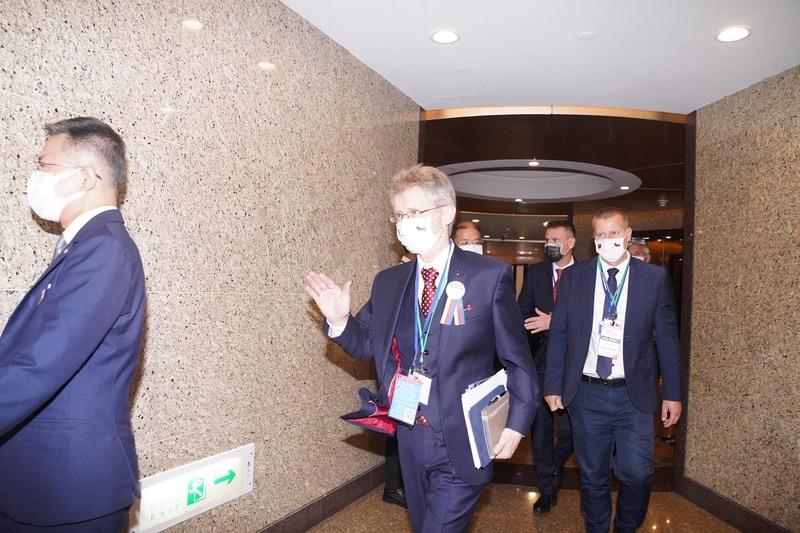 捷克参议院议长维特齐(Miloš Vystrčil) (中)出席台捷经贸暨投资论坛(图片来源:中央社)