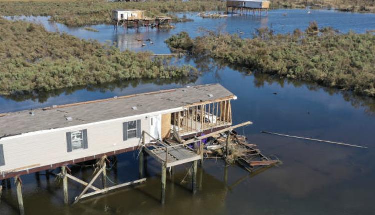 萝拉飓风登陆路易斯安那州路州