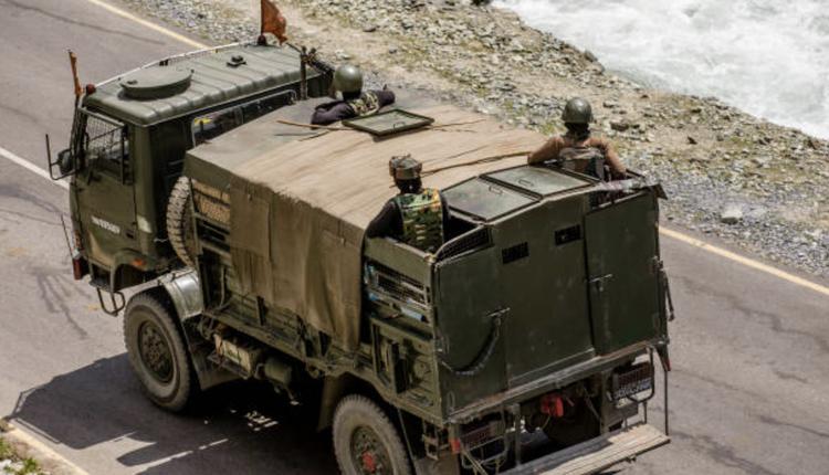 近日,中印均指控对方军队在边境对空鸣枪示警,打破了45年来边境不开火的默契。(图片来源:Yawar Nazir/Getty Images)