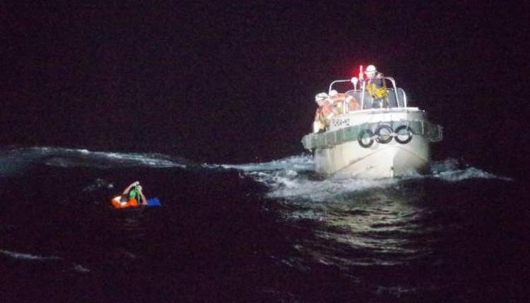日本海上保安厅9月2日搜救到一名45岁菲律宾船员。
