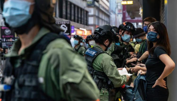 12名香港青年