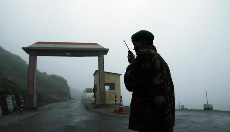 印度与中国军队近日在喜马拉雅山脉的两国争议边界、印度拉达克地区发生数次冲突