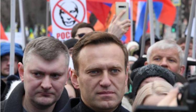 俄罗斯反对派领袖纳瓦尼参加克里姆林宫外的一场集会