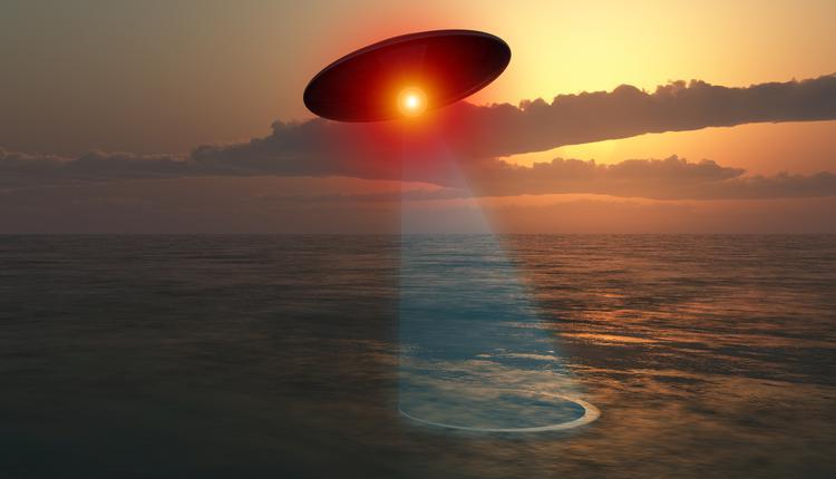 UFO喜欢隐藏在水里