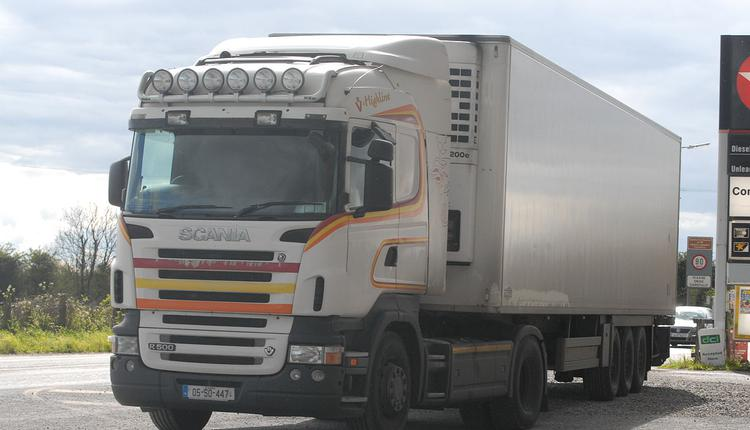 集装箱货车案