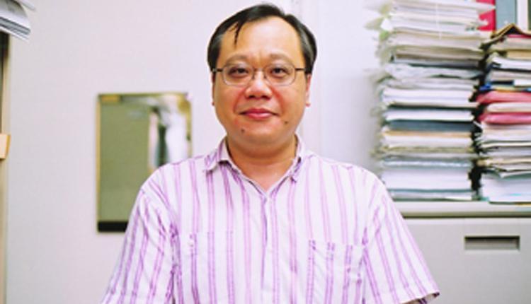 台大化工系教授李笃中