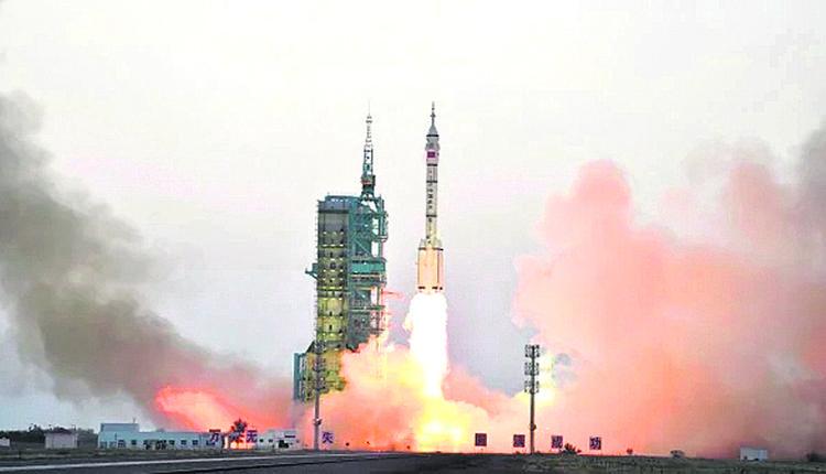 中国2016年长征2号火箭发射