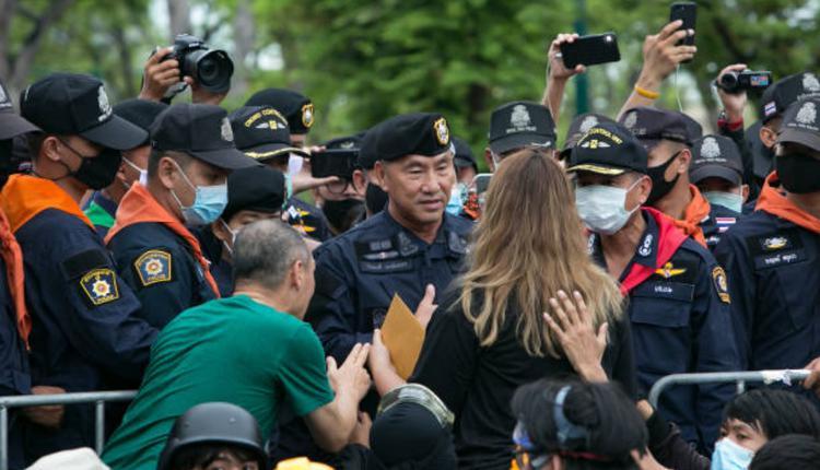 泰国示威学生领袖之一帕努莎雅