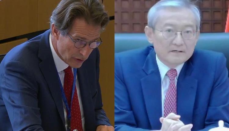 欧洲对外事务部亚太总司总司长威根(左)及中国驻欧盟大使张明(右)
