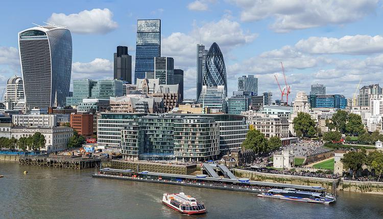 伦敦金融城, 高收入移民