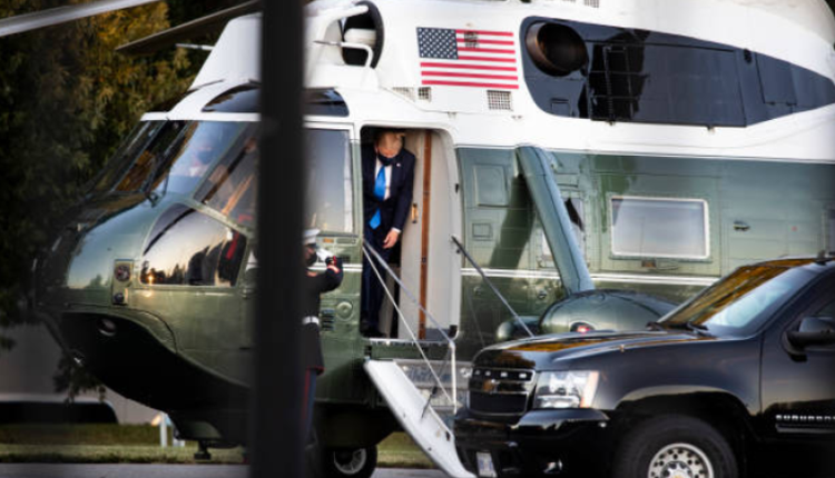 川普总统在10约日乘坐专机前往沃尔特-里德国家军事医疗中心