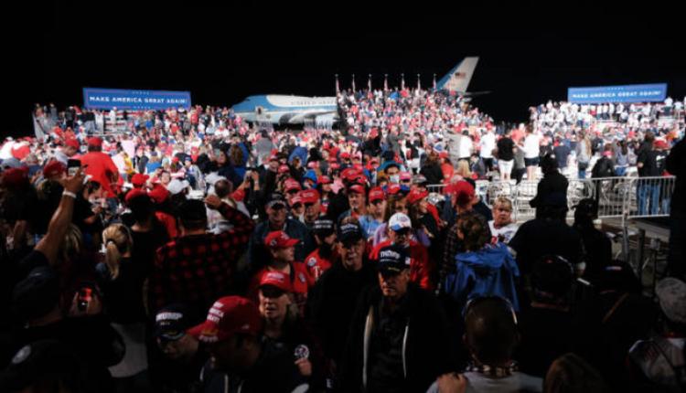 川普竞选集会涌入大量的支持者