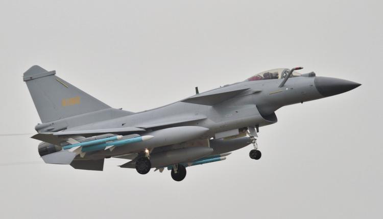 中国空军歼-10战斗机