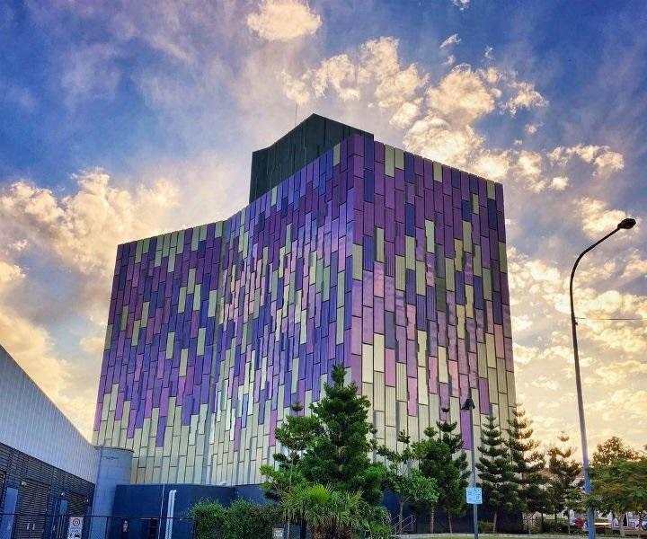 Clem7 Smoke Stack的紫色大楼