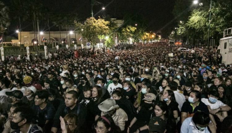 泰国民众抗议现场