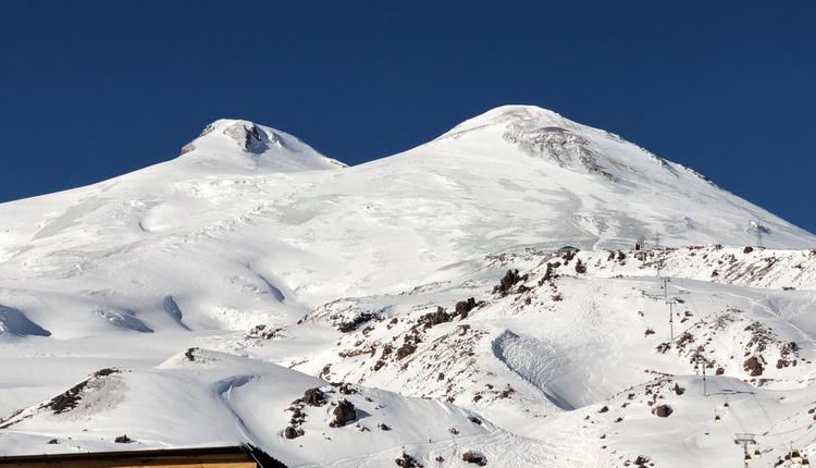 俄罗斯最高峰厄尔布鲁士山