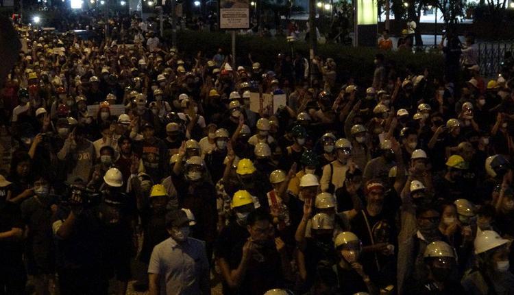 泰国反政府示威游行到德国大使馆