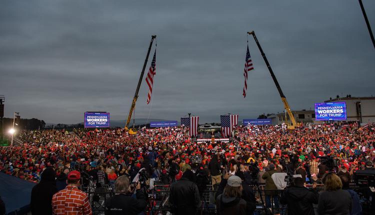 宾夕法尼亚州欢迎川普的人潮。