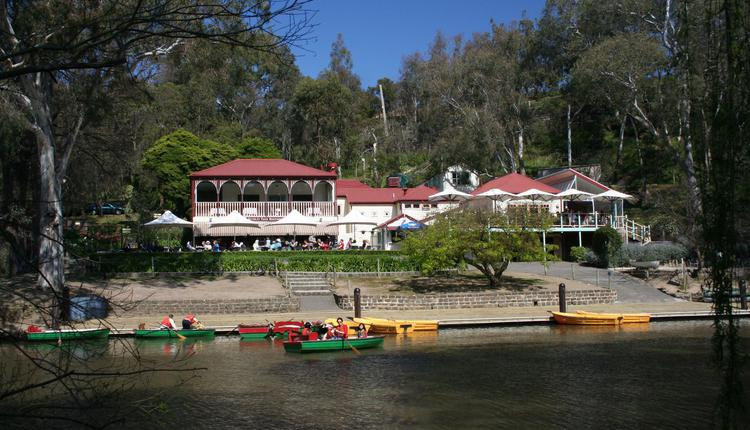 Studley_Park_Boathouse