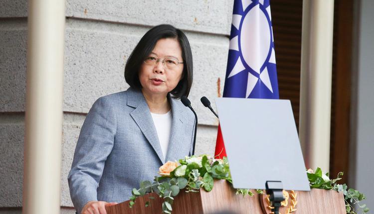 台湾总统蔡英文在总统府讲话(图片来源:中央社)