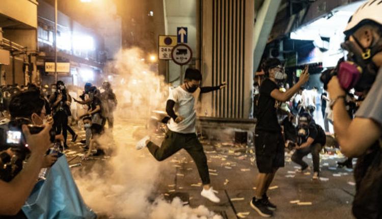 去年香港8月反送中场景