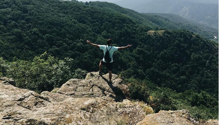 自由 爬山 民主 徒步旅行