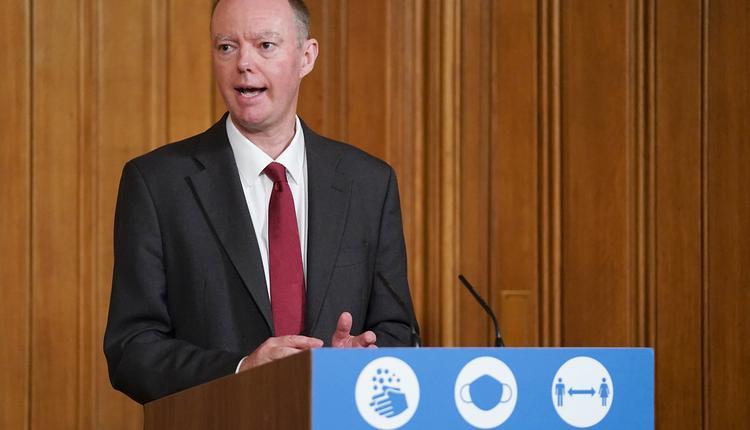 疫情, 克里斯·惠蒂教授, 首席医疗官,英国